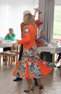 Tanztee-Kirschblüten-013- Kleiner