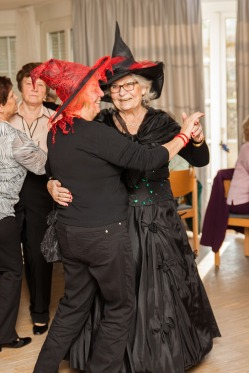 tanztee_seniorenhilfe_elisa-walker_026