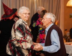 tanztee_seniorenhilfe_elisa-walker_047