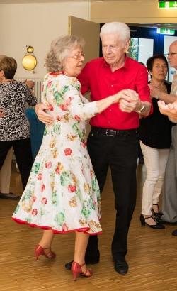 Tanztee Rastatt_Herzlicher Muttertag_Elisa Walker 05