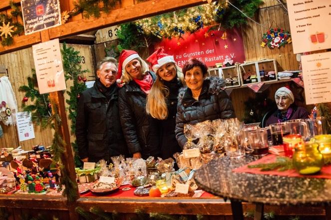 Seniorenhilfe Weihnachtsmarktstand Rastatt_Elisa Walker